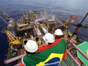 bandeira_do_Brasil_na_Plataforma_P-26_na_Bacia_de_Campos