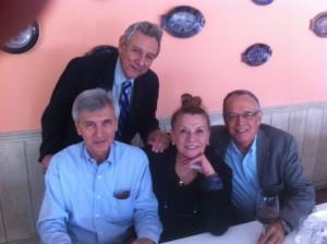 A ex-diretora de Furnas Olga Simablista e outros amigos de Ronaldo Fabricio prestigiaram o almoço.