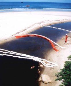 Resultado de imagem para vazamento de 266 mil litros de óleo no Parque Estadual da Serra do Mar,