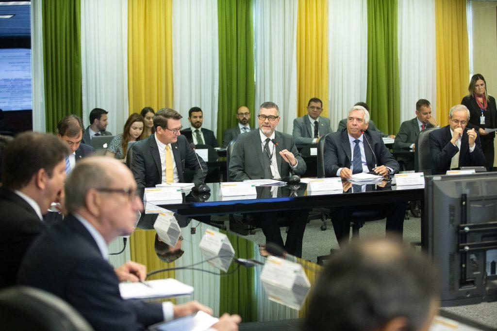 BRASÍLIA-DF, 03/05/2017. Paulo Pedrosa, Secretário-Executivo do MME (ao centro), preside a  180ª Reunião do CMSE. Foto: Saulo Cruz/MME